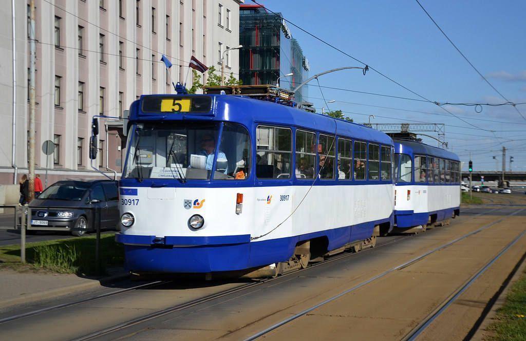Tham gia giao thông công cộng tại Latvia