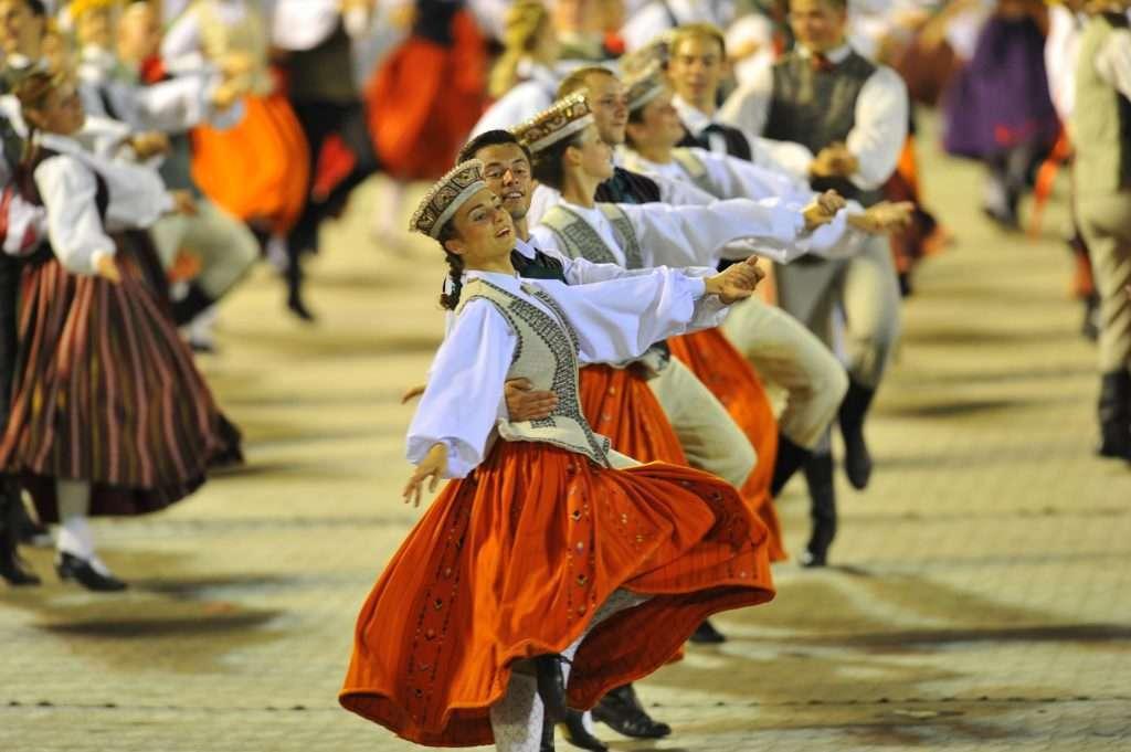 Latvia là thế giới của những người thích ca hát, nhảy múa.