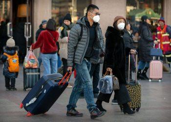 Phòng chống lây nhiễm virus Corona 2019-nCoV khi di chuyển tại sân bay