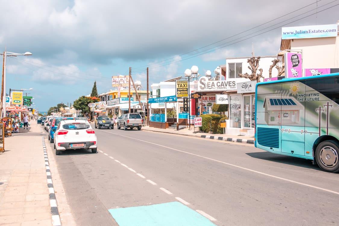 lái xe tham gia giao thông tại đảo Síp