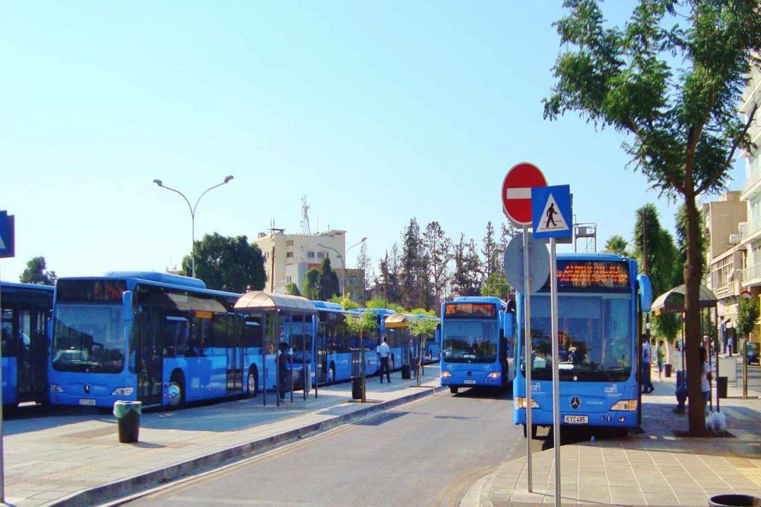Tham gia giao thông công cộng tại đảo Síp